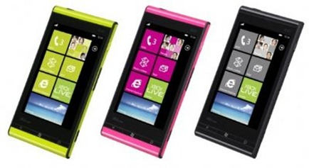 Fujitsu-Toshiba-Windows-Phone-IS12T_56893_1