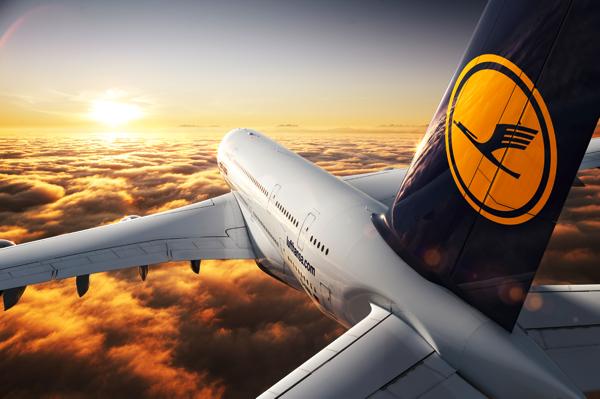 Lufthansa sceglie Surface Pro 3 per la dotazione tecnologica dei suoi piloti