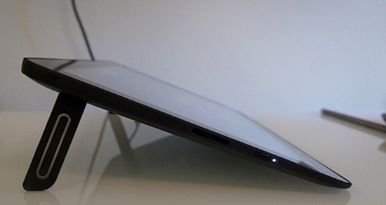 Dell xps 18 side