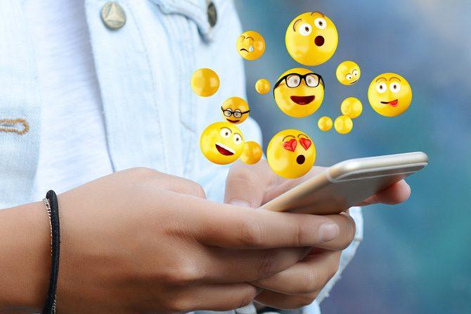 4 Siti web dedicati al mondo delle emoji con raccolte organizzate
