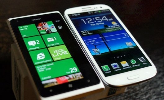 galaxys3_vs_lumia900
