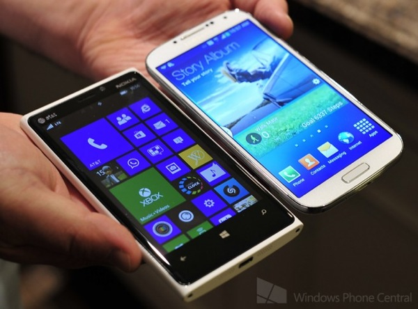 Lumia920 vs galaxys4 hands