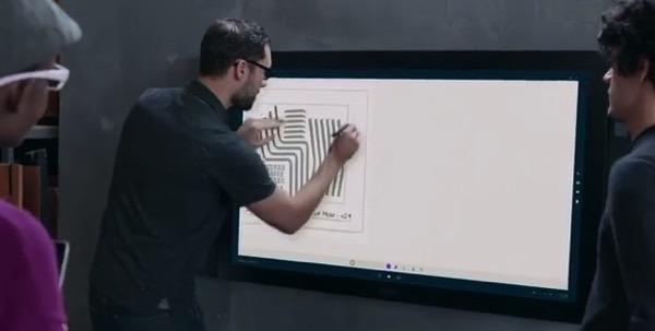 Microsoft Surface Hub il nuovo schermo interattivo e TV da 55 e 84 pollici