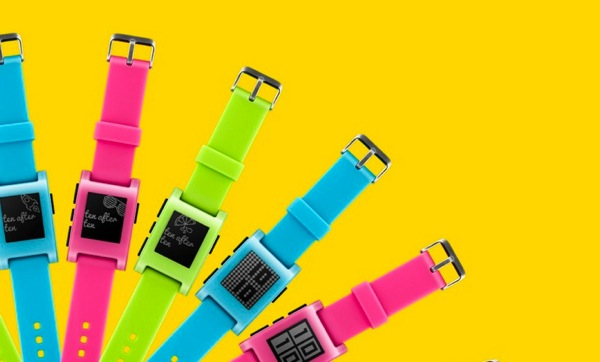 Lo smartwatch Pebble sempre più colorato in edizione limitata #FreshHotFly