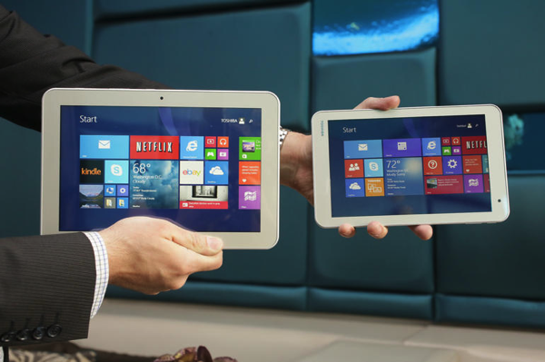 toshiba_encore2_hands.png