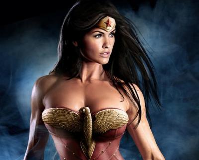 10 spettacolari immagini di supereroi in versione femminile