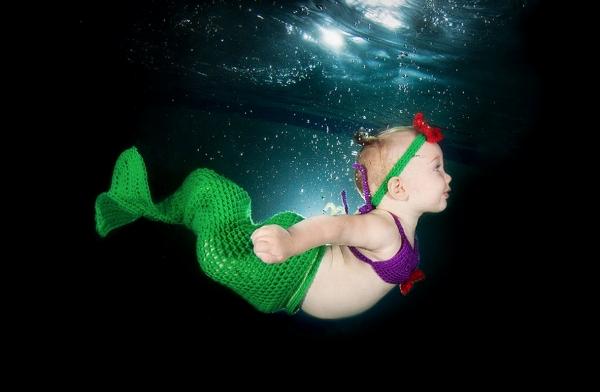 11 foto di bambini sott'acqua