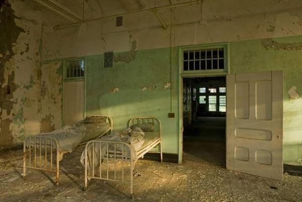 20 foto di ospedali psichiatrici abbandonati