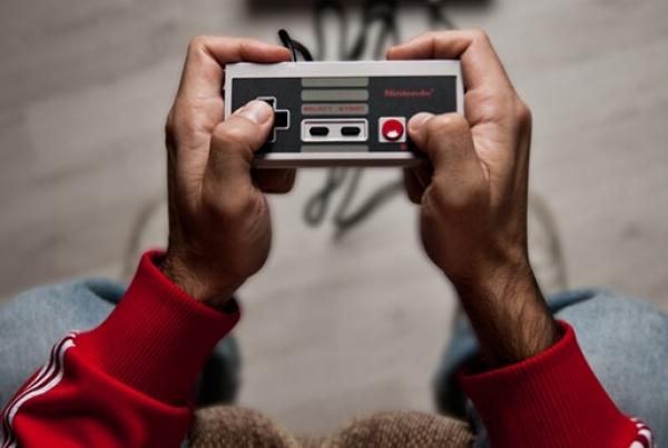 22 fotografie di controllers per 30 anni di videogiochi