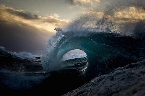 24 immagini di onde del mare maestose