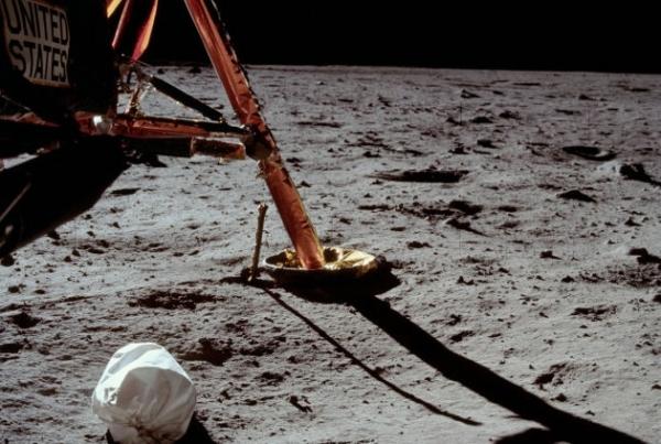 40 rare ed uniche fotografie dall'Apollo 11