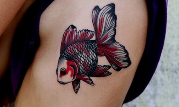 50 fotografie di tatuaggi dedicati ai pesci