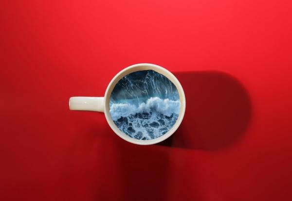 9 immagini di tazzine con un oceano dentro