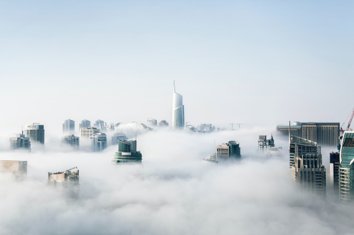 Dubai tra la nebbia