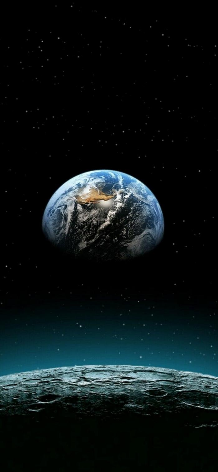 La terra dalla Luna