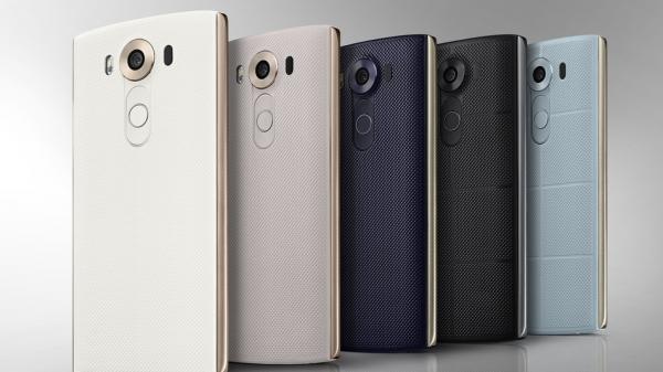 Ecco il nuovo LG V10 con due display. Scopriamolo con scheda tecnica completa, immagini e video