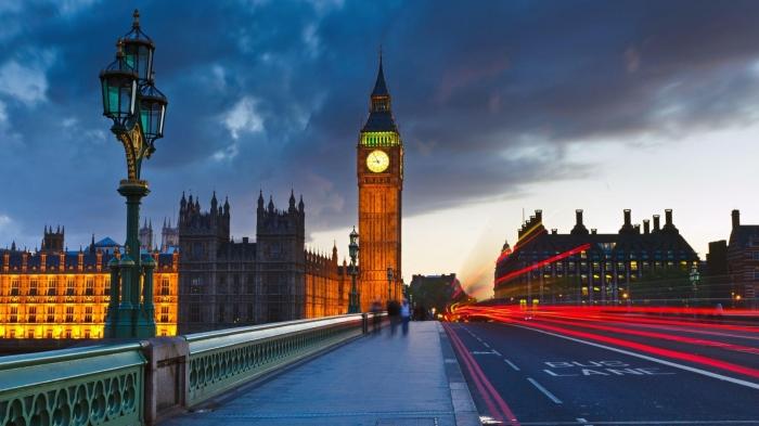 Londra e il Big Bang di sera