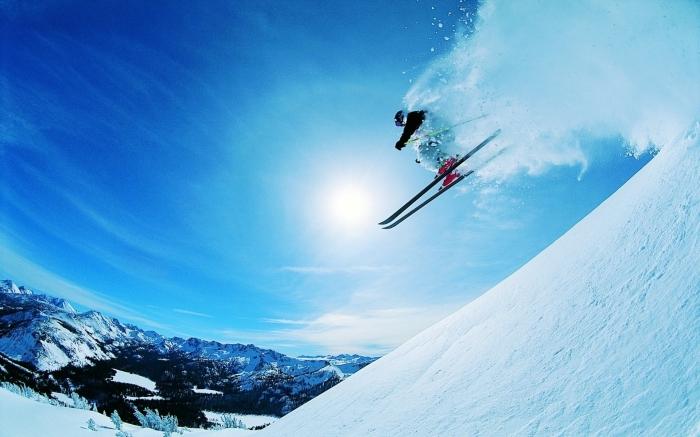 Salto con gli Sci dalla neve