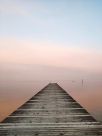 Molo al tramonto sul Garda