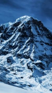 Montagna con neve